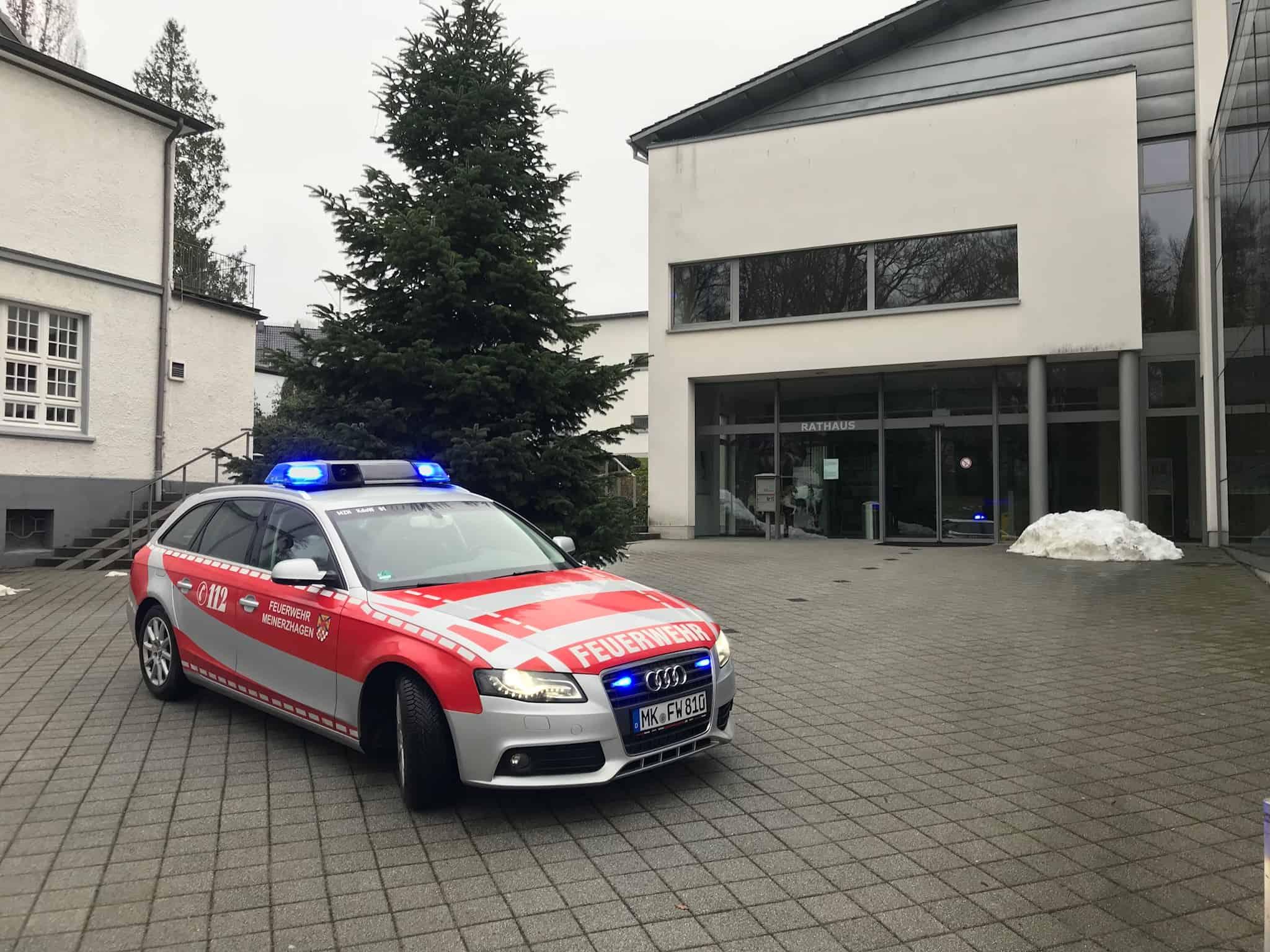 Die Feuerwehr Meinerzhagen wünscht Ihnen frohe Weihnachten