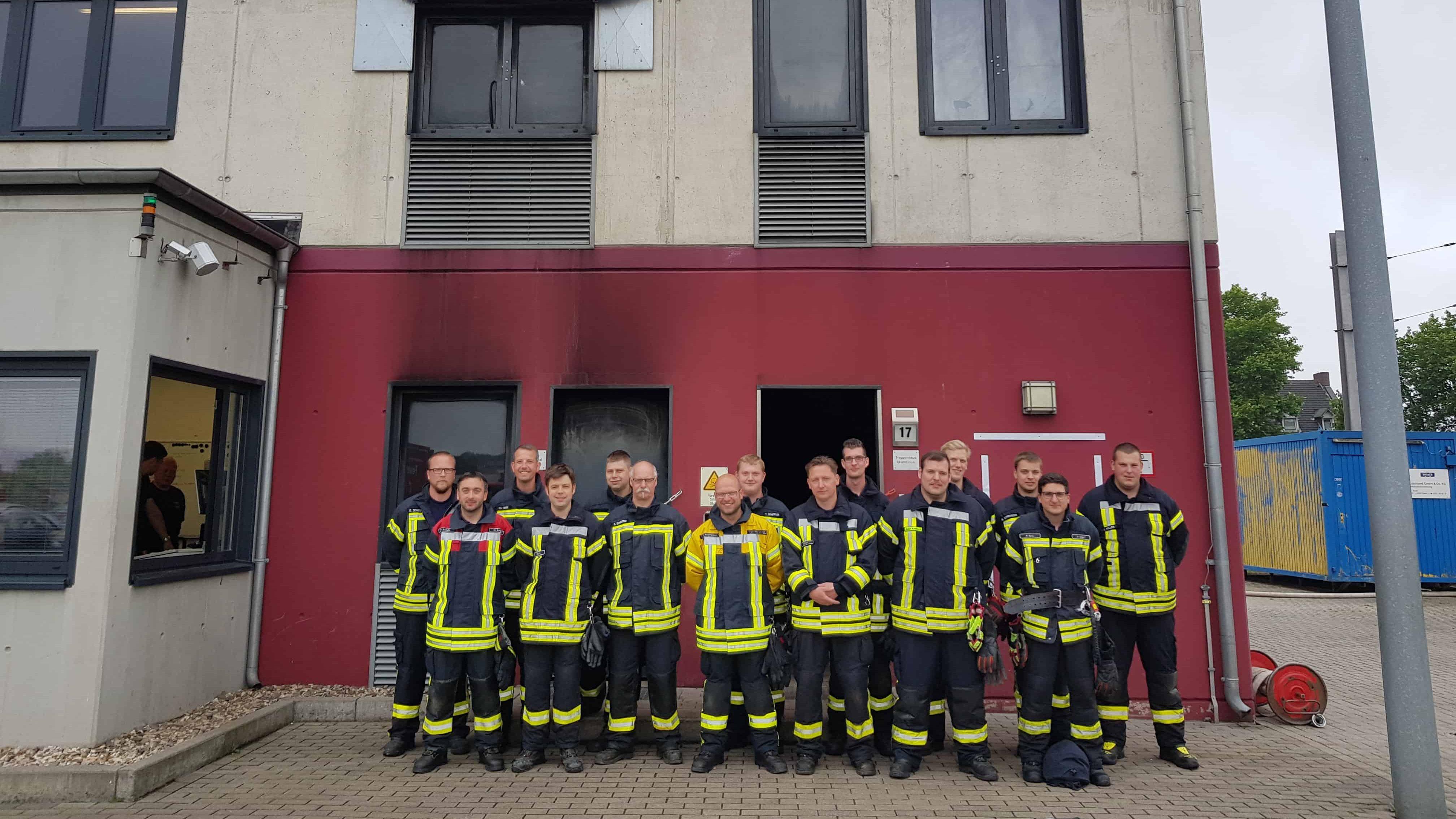 Realbrandtraining im Ausbildungszentrum der Feuerwehr Dortmund