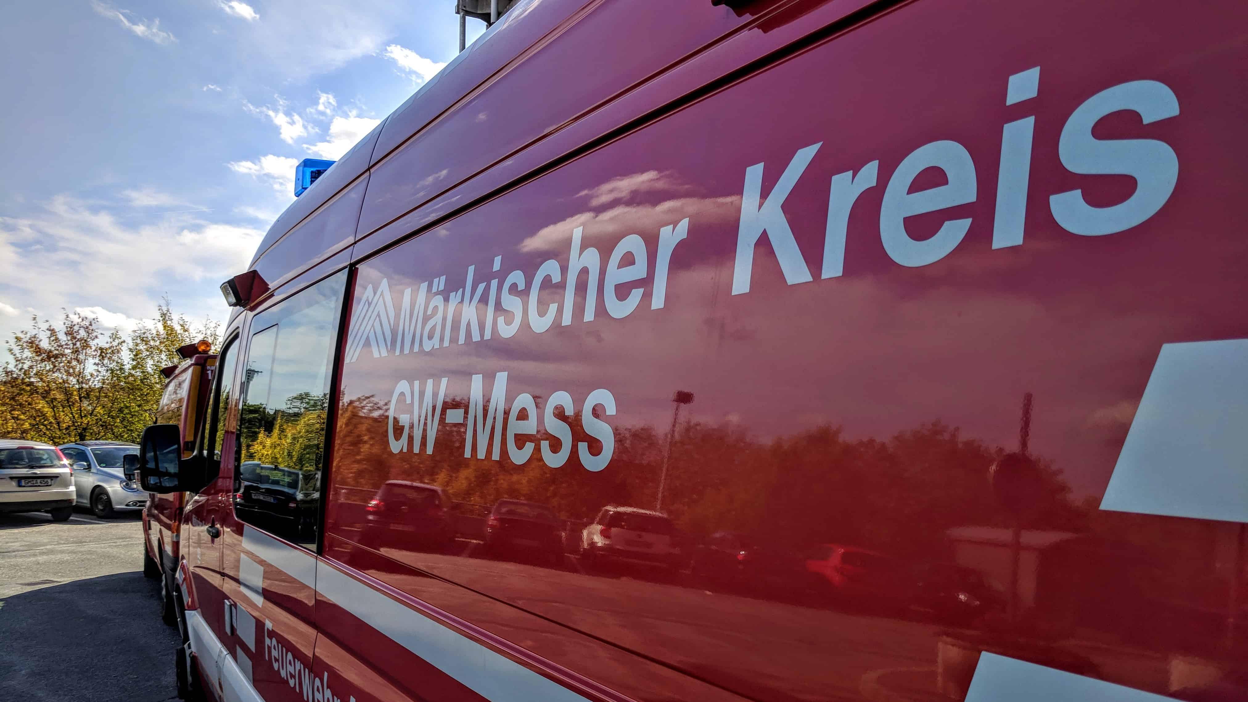 Rauchsäule zieht nach Brand in Radevormwald über den MK - Messzug im Einsatz