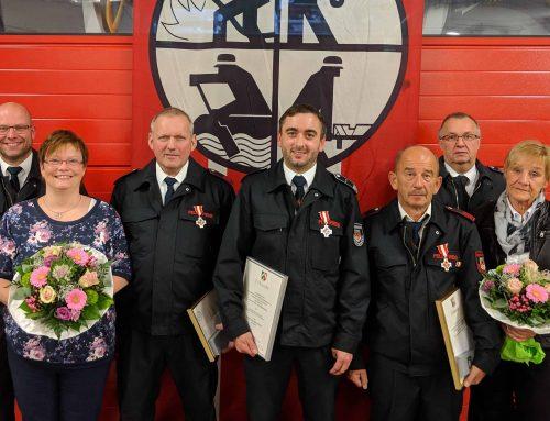 95 Jahre Dienst in der Freiwilligen Feuerwehr geehrt