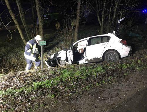 Verkehrsunfall in Unterworbscheid – PKW stürzt in einen Bachlauf