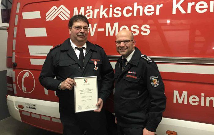 Feuerwehr-Ehrenzeichen in Silber für Michael Neumann